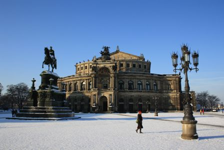 Semperoper Dresden im Winter - Foto Christoph Münch